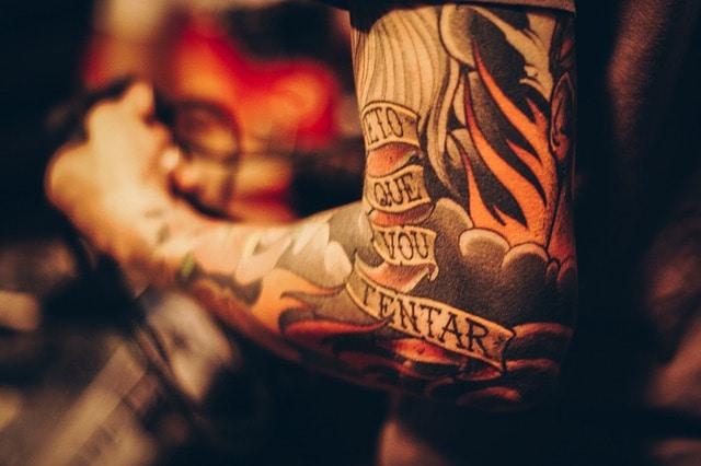 jak długo goi się tatuaż