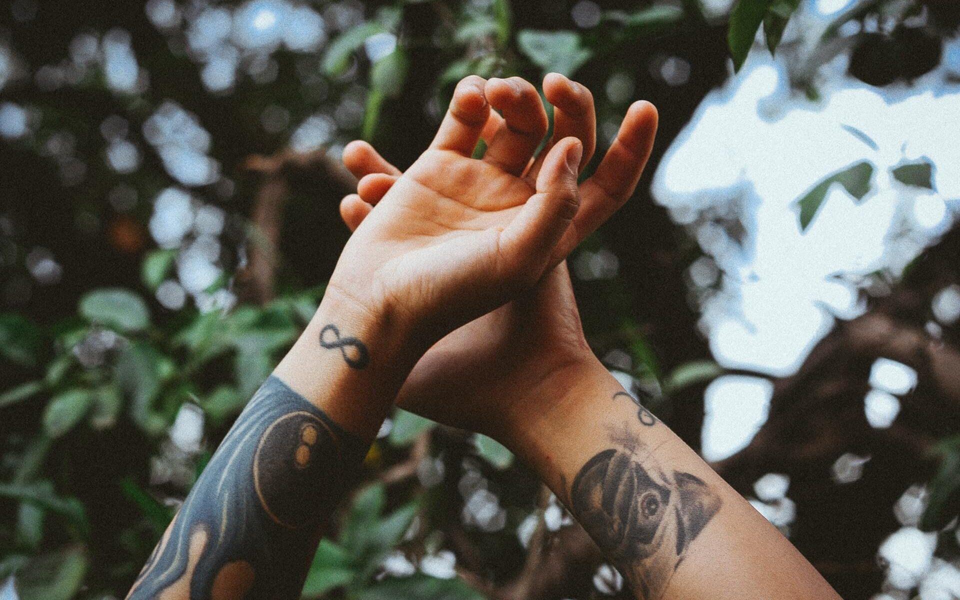 tatuaż nieskończoność