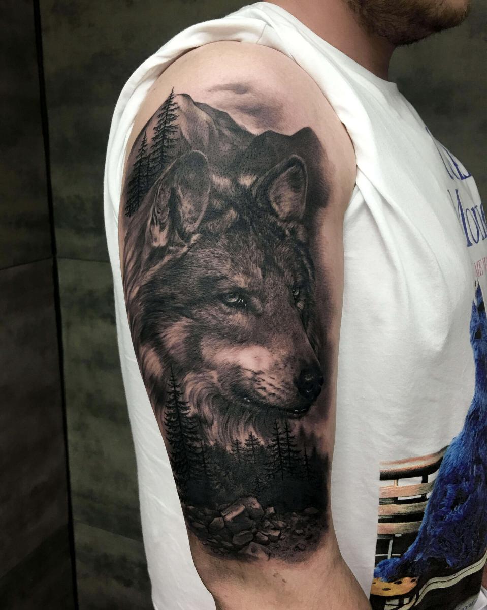 Tatuaż czarno szary